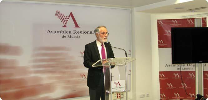 El presidente de la asamblea manifiesta la inequívoca voluntad de transparencia del parlamento regional
